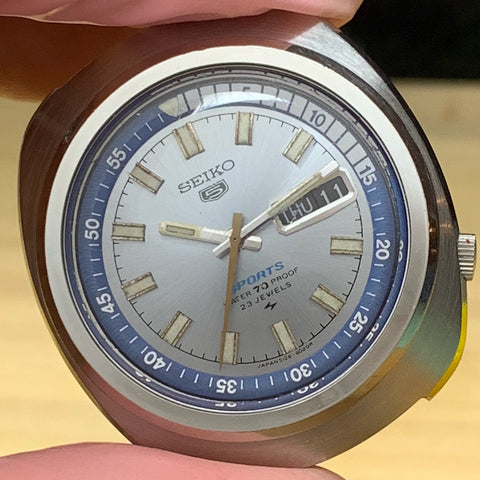 Servicing a Seiko 5126-6010 Sports from 1969