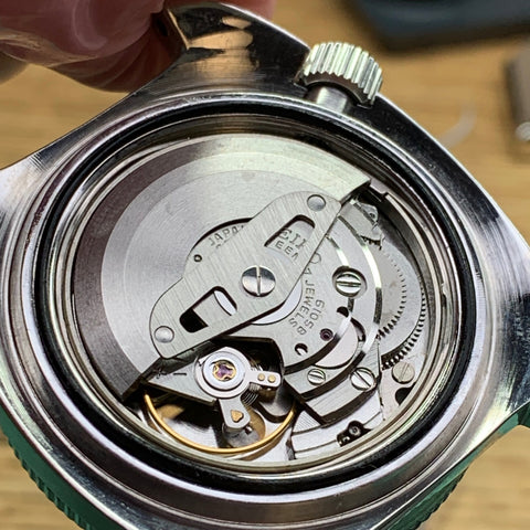 Servicing a vintage Seiko 6105-8000 diver - assembled in case