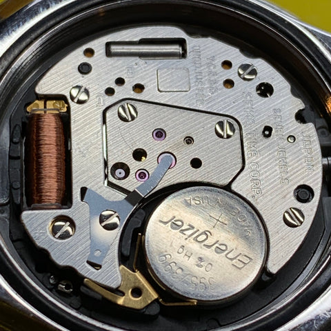 Servicing a Seiko 7c43-6020 Mini Tuna - Correct Battery