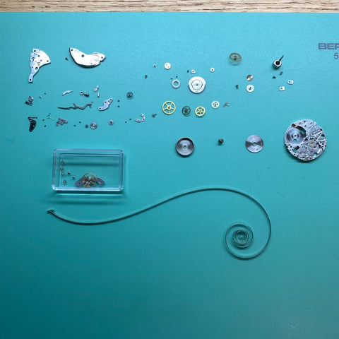 Servicing the King Seiko Hi-Beat 4502-7000 vintage watch (36000 bph) - Disassembled