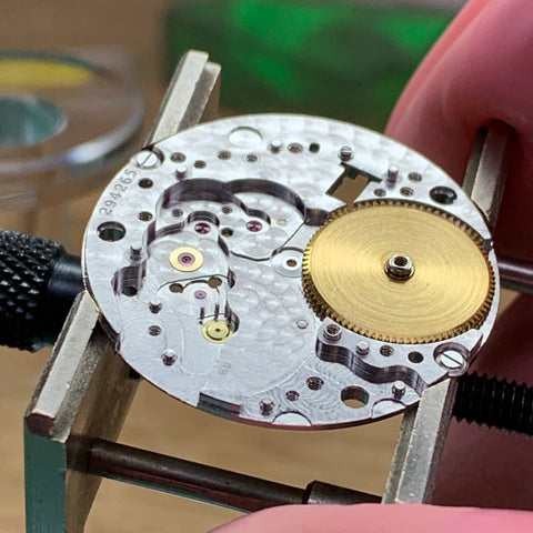 Servicing an superb vintage Rolex 1500 Calibre 1570 from 1969