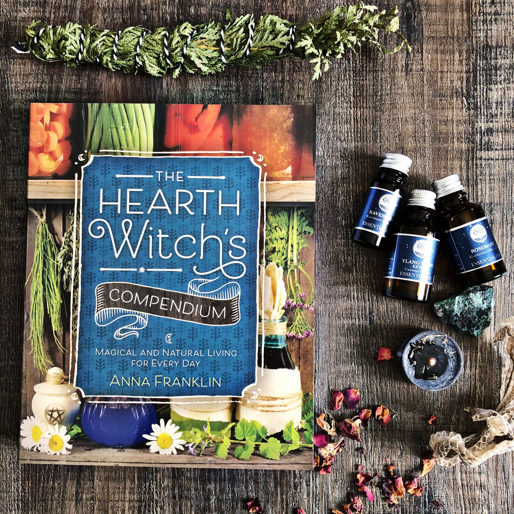 The Hearth Witches Compendium - Anna Franklin