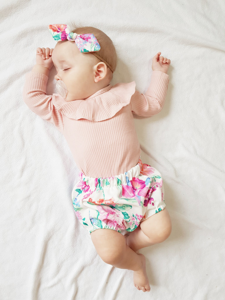 Floral Bloomers and small Bow set