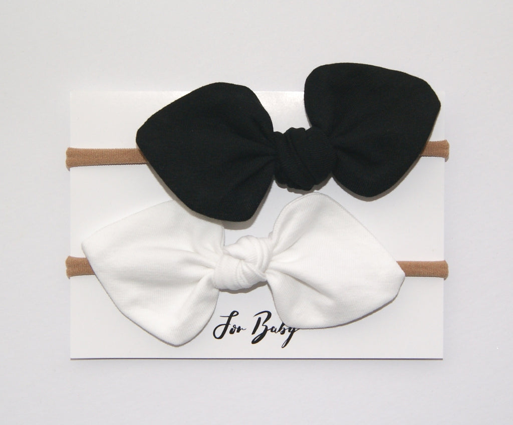 Monochrome bow set for baby