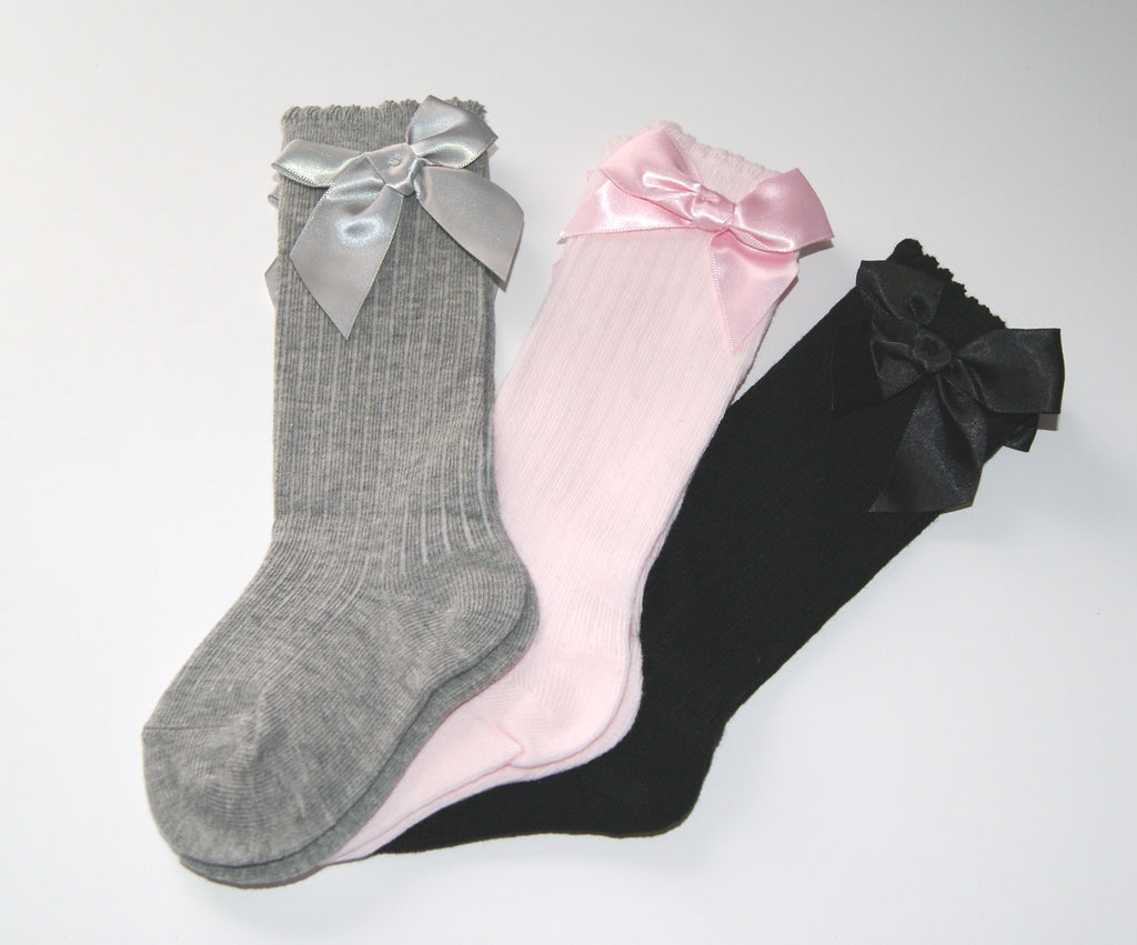 Long baby socks with cute bow