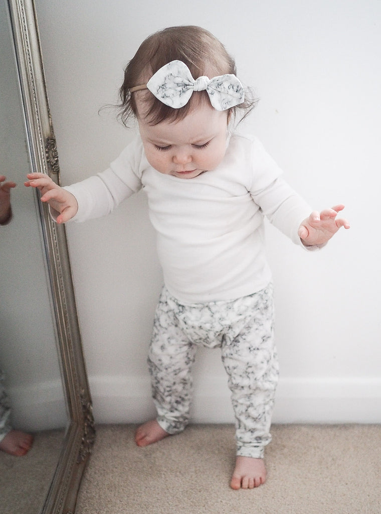 Marble baby leggings and bow set