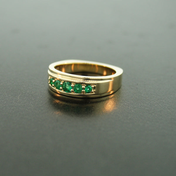 18k Yellow Gold Emerald Ring Graduado - Mander Jewelry