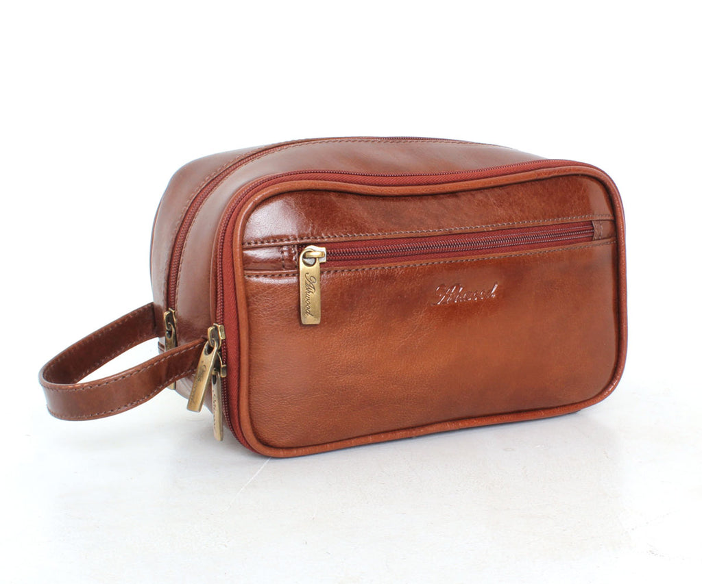 2080 - Wash Bag in Chestnut