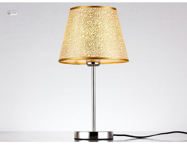 Favorable bedside table lamp