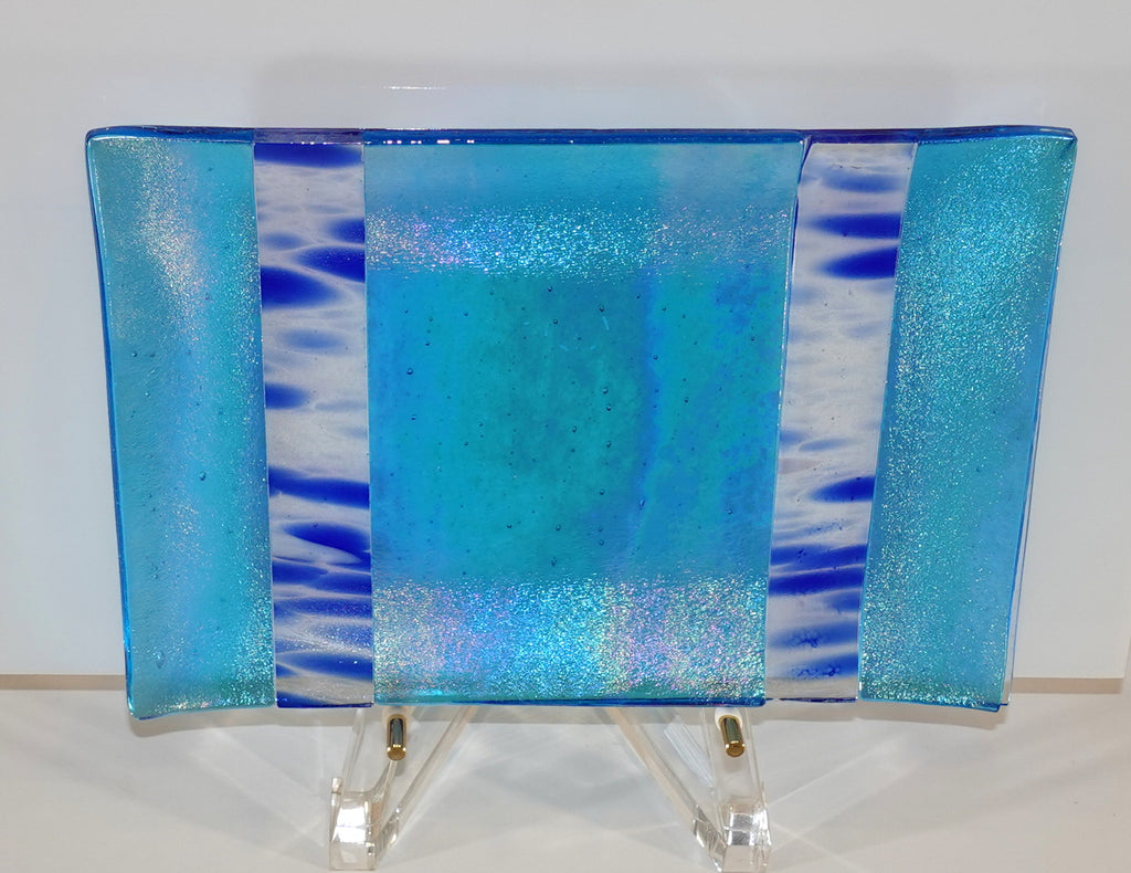 Luminescent turquoise with blue plate