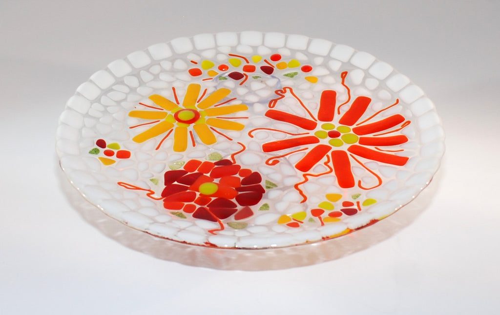 """Coming Up Daisies"" Fused Glass Plate 10"" Round"