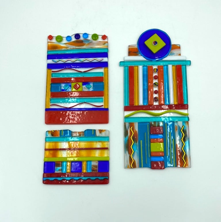 Multicolor small totem wall panel