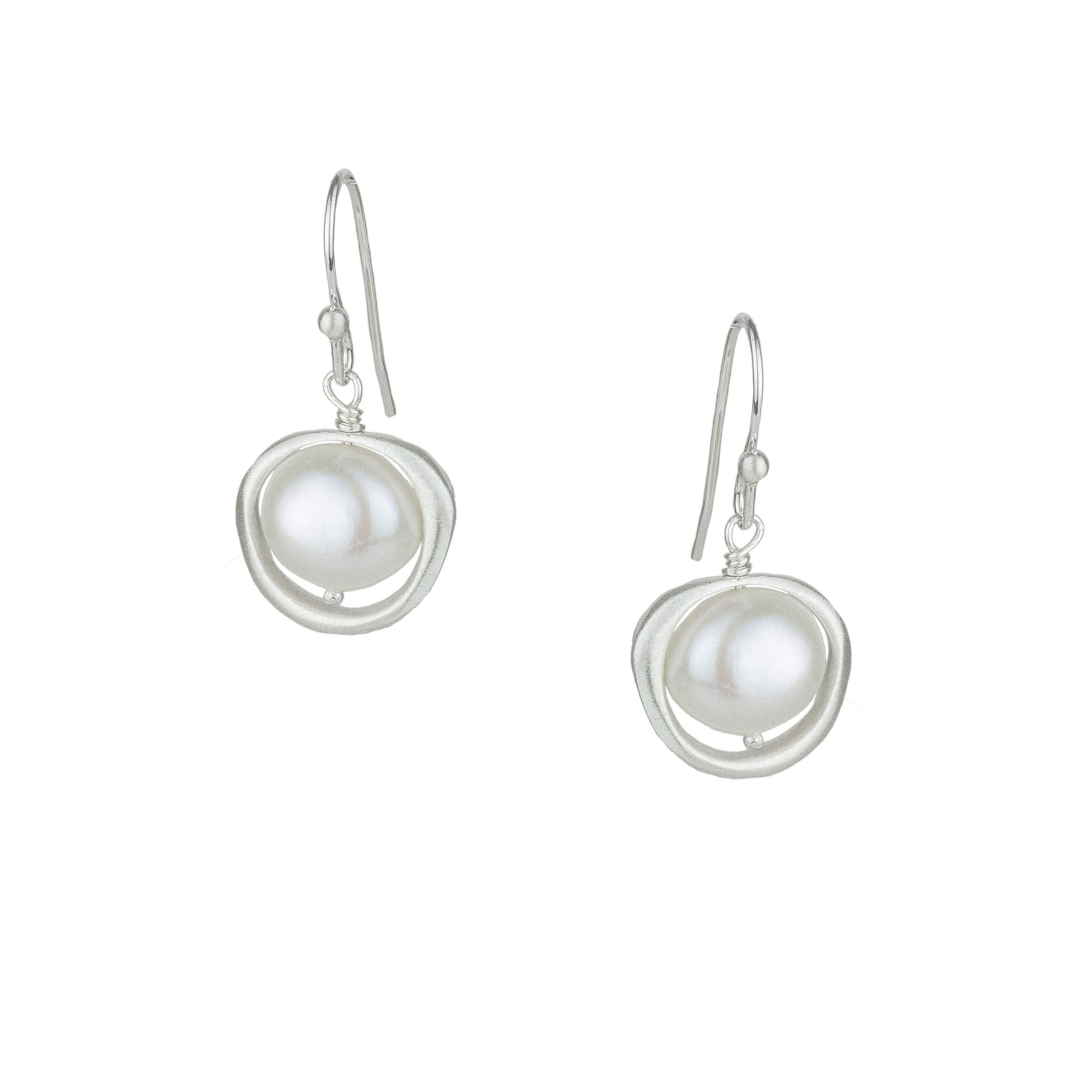 Organic Circle w Pearl Earrings