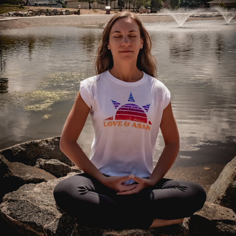 manage headaches with beginner meditation by Tiffany Lord private virtual yoga teacher