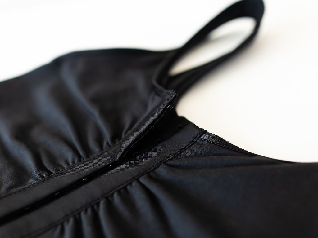Mastectomy bras with pockets