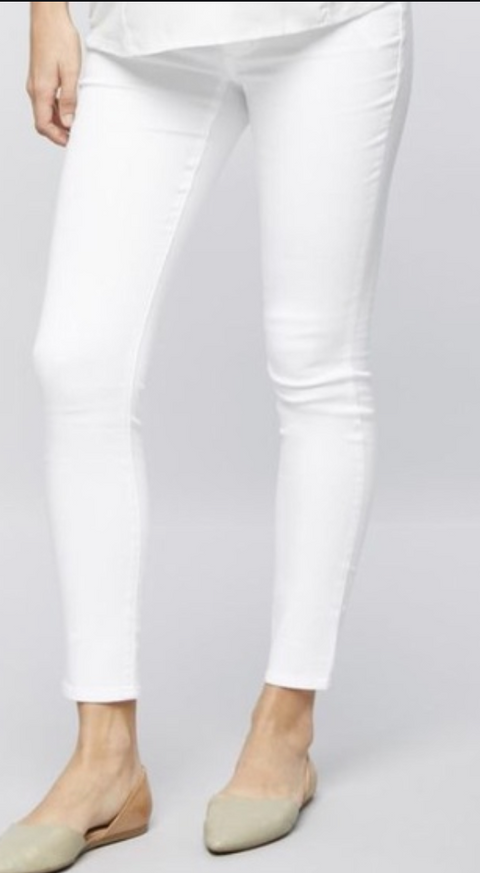 A Pea in the Pod white skinny jeans (over the belly) - large