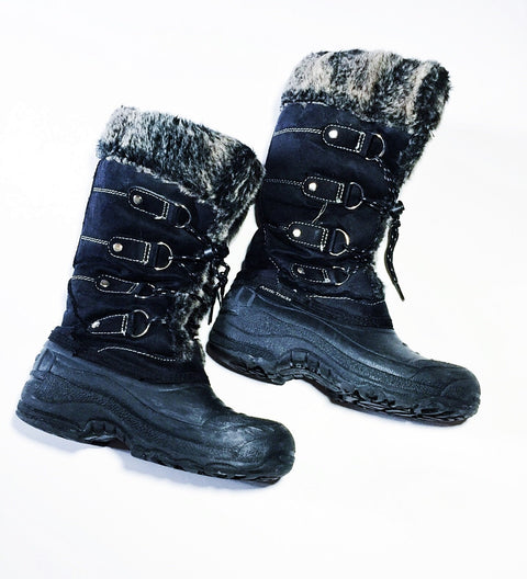 Arctic Tracks boots size youth 2