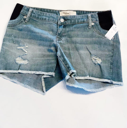 Gap Maternity Jean shorts size 27 - brand new
