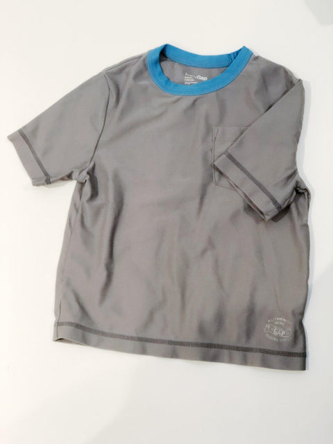 Gap rash guard size 3