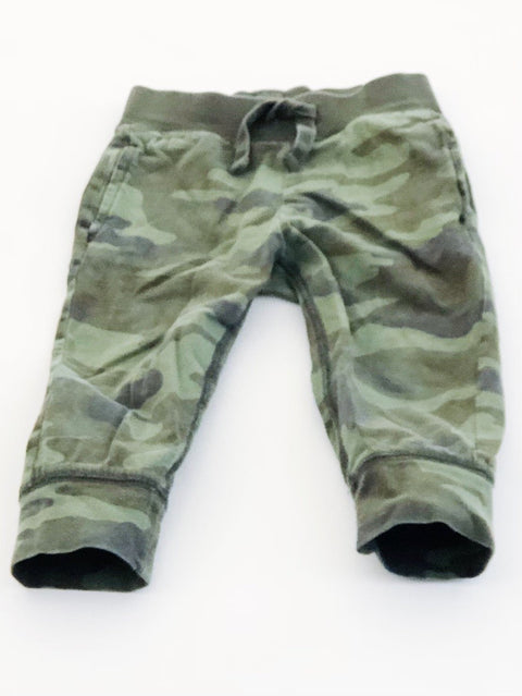 Gap skinny sweats camo size 2-Fresh Kids Inc.