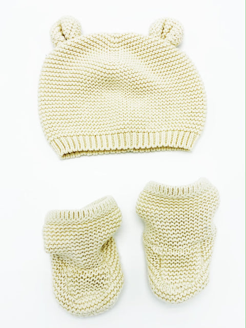 Gap ivory knit bear beanie & booties 0-3m