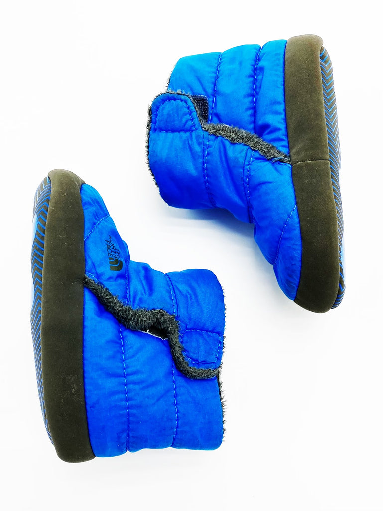 North Face fleece lined booties size 4 (6-12m)