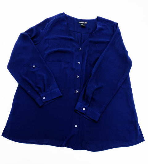H&M Mama navy top - small