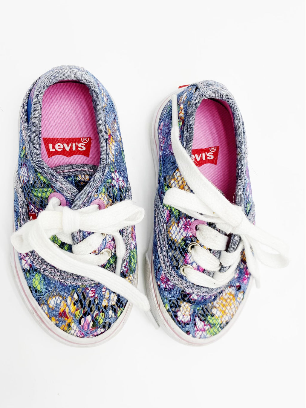 Levi's runners size 7