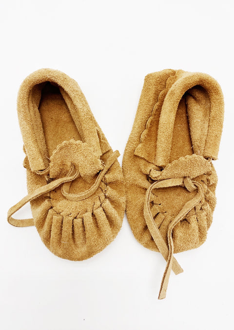 Moccs (Made in Canada) size B5 (3-6m)