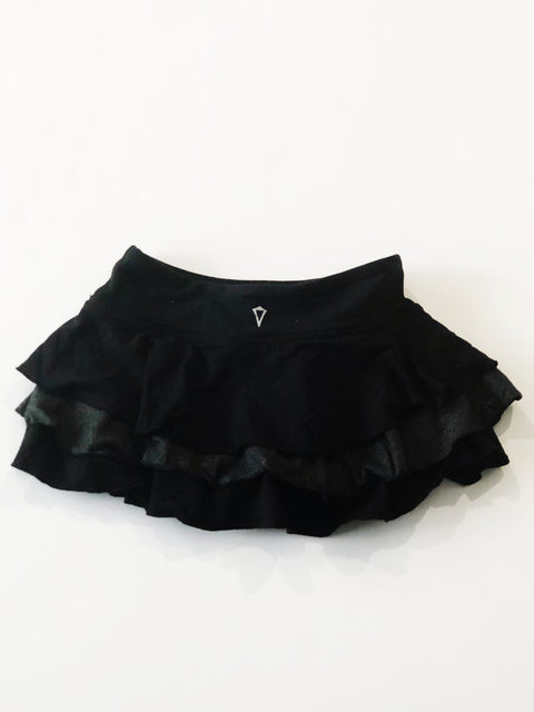 Ivivva skirt with built-in shorts - black - size 6-Fresh Kids Inc.