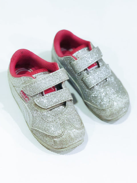 Puma runners Velcro sparkle size 6-Fresh Kids Inc.