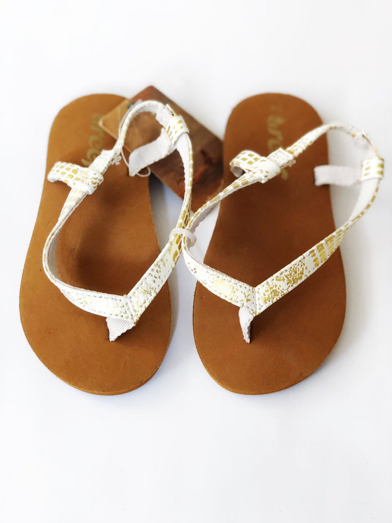 Reef sandals size 7-8 BRAND NEW WITH TAGS-Fresh Kids Inc.