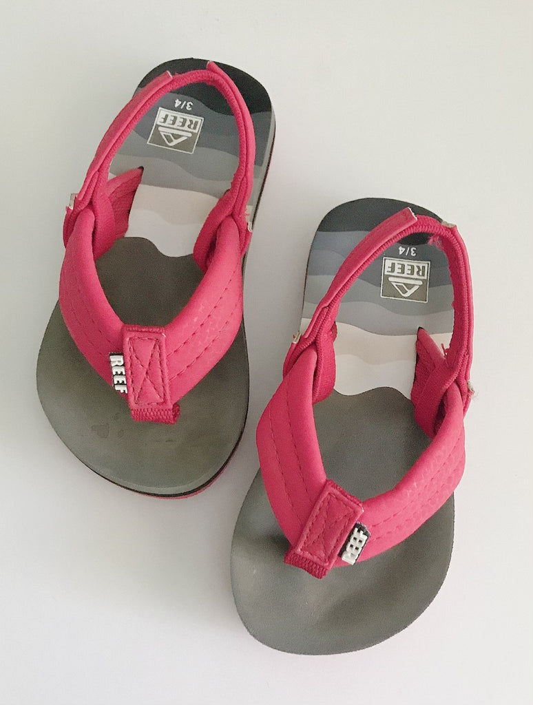 Reef sandals 3-4 c-Fresh Kids Inc.