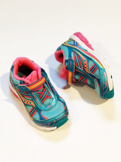 Saucony runners Velcro size 6-Fresh Kids Inc.