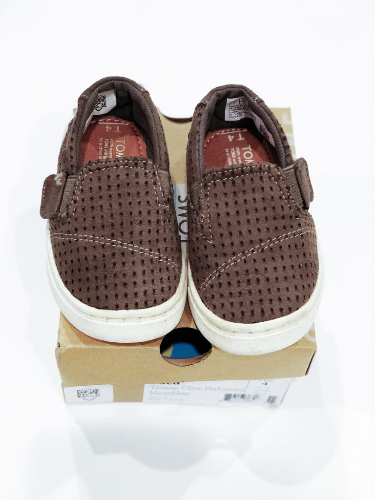 "TOMS size 4 ""Luca"" in olive-Fresh Kids Inc."