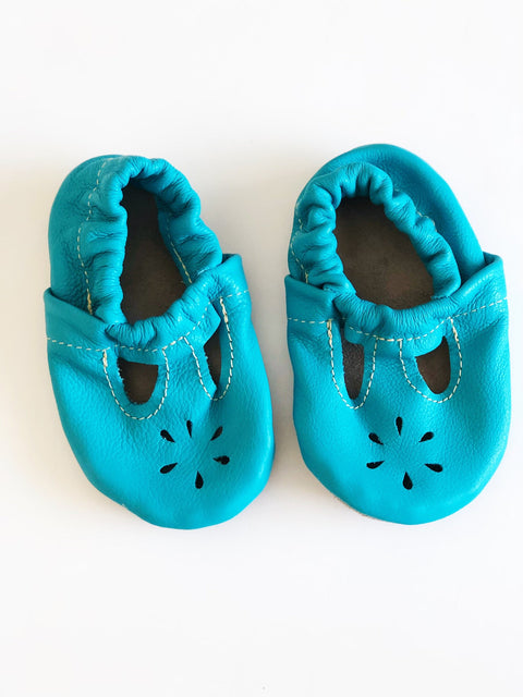 Turquoise leather moccs size 4-Fresh Kids Inc.