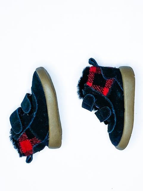 UGG booties sherpa lined size 0-1 (0-3m)-Fresh Kids Inc.
