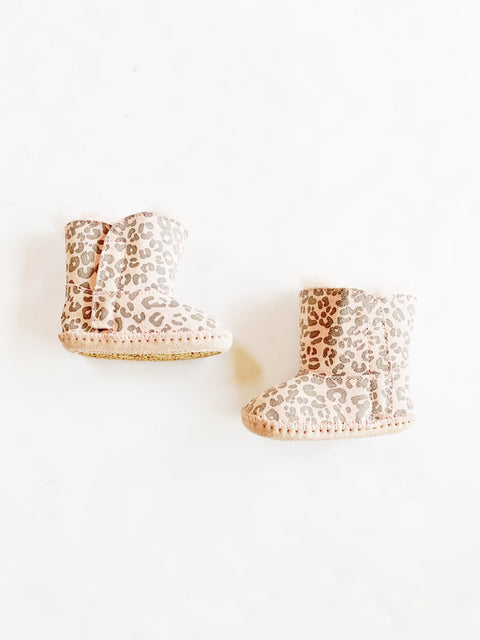 Uggs in leopard size 2-3