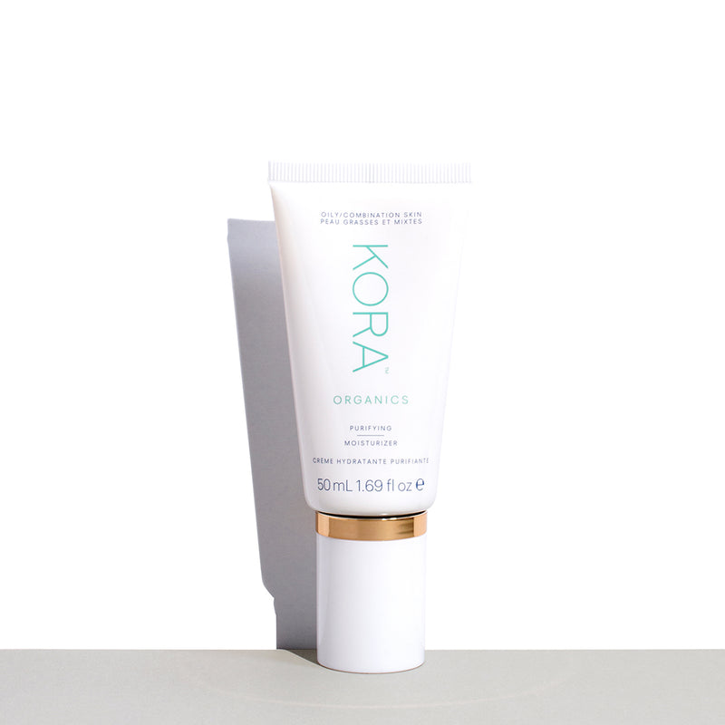 A light-weight daily moisturizer formulated to balance and maintain hydration. Certified Organic Lemon, Green Tea and Pomegranate Extracts combine with Aloe Vera to support a clear complexion. Our moisturizers also contain Sodium Hyaluronate, a natural Hyaluronic Acid, which essentially acts as a sponge, drawing water from the atmosphere – resulting in well hydrated skin.