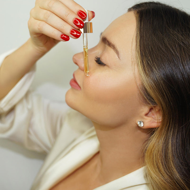 "I use it religiously morning and night—it keeps my skin glowing! I also never travel without it and apply it throughout the flight to keep my skin hydrated."" - Miranda Kerr"