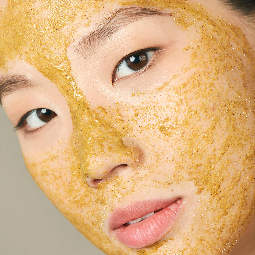 Turmeric Brightening & Exfoliating Mask addresses congested pores, sebum buildup, uneven skin texture and dullness.