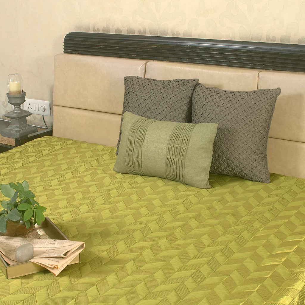 "Zigzag/ Lime: Embroidered and quilted faux silk  bed cover (96"" x 108"")"