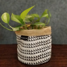 Chic Planter Wrap  (Atman)
