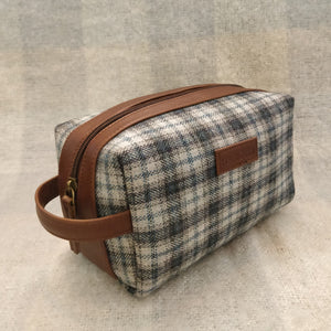 Tweed DOPP Kit for Men (Arctic Twill)