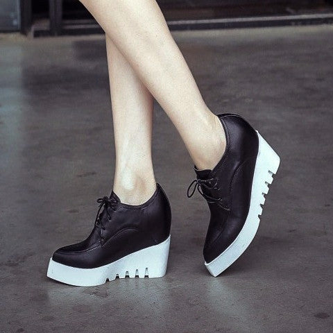 Pointed Lace-up Leather Wedge Shoe