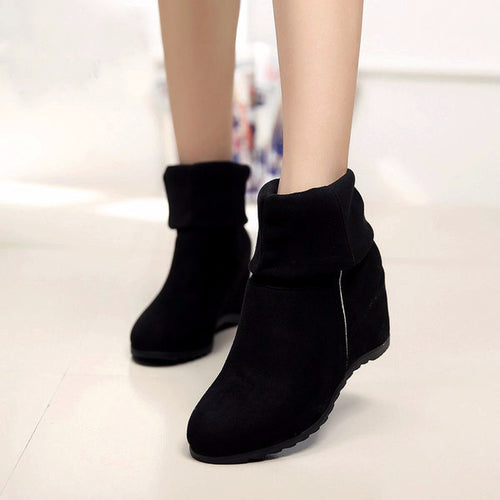 Slip-on Stretch Wedge Boots