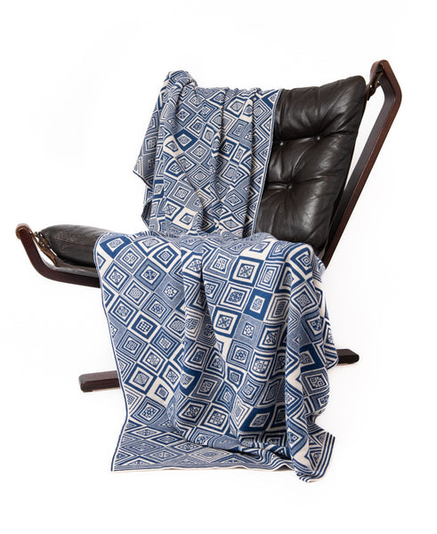 Family 12) - 2-Colour Throw - Throw G - BAKKA