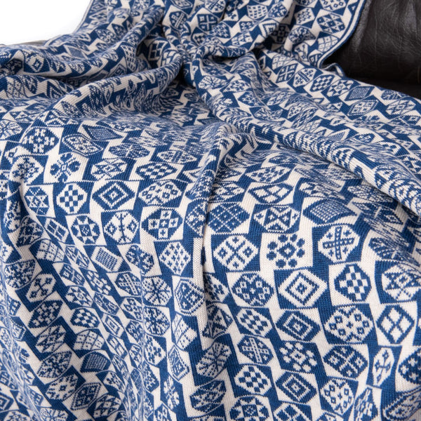 Design 12) - 2-Colour Throw - F - BAKKA
