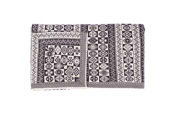 Family 8) - 2-Colour Throw Vertical Pattern - Throw E - BAKKA