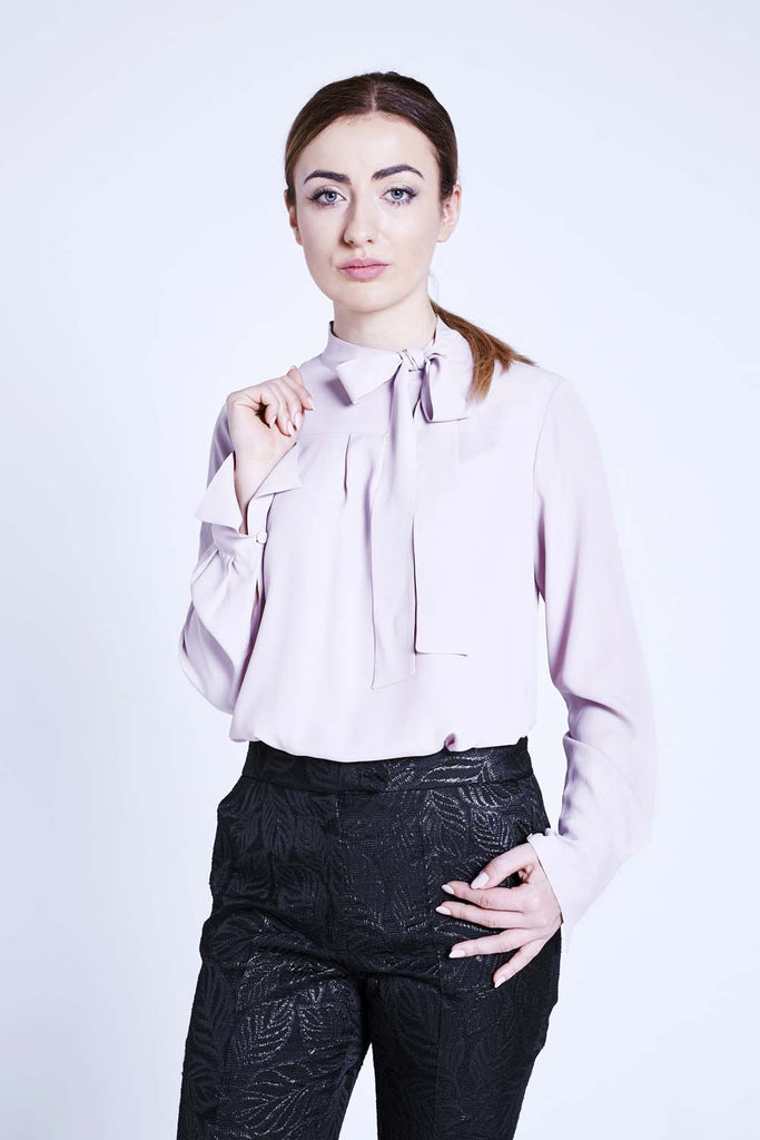 e2807254fa6552 ... caractere-pink-silk-pussy-bow-blouse-aw17-cashmere- ...